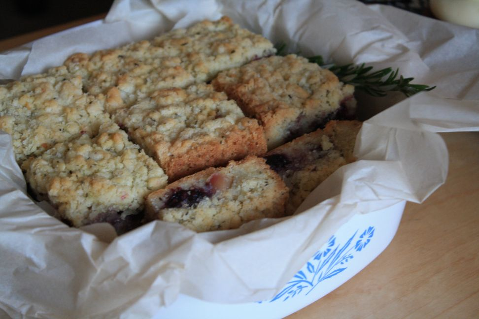 blackberry rosemary shortbread bars