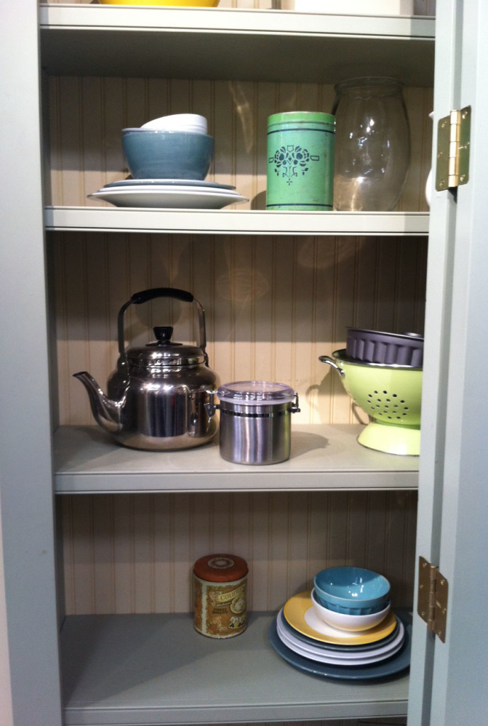 shelved- props-cooks country