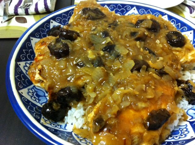 MOROCCAN RECIPES- Spiced Moroccan Chicken with Onions and Prunes