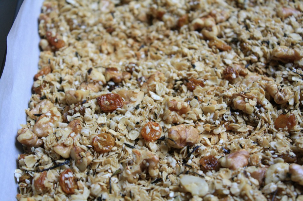 BREAKFAST RECIPES- Green Tea Granola