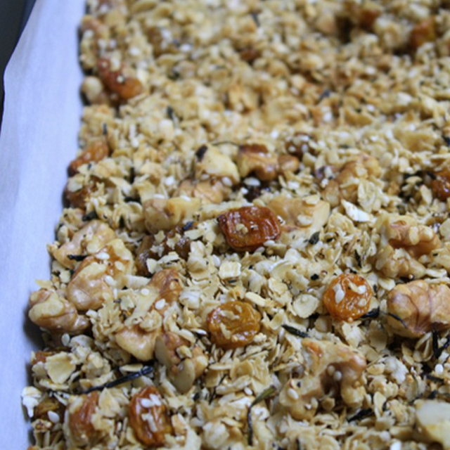 green tea granola