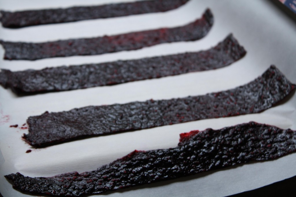 blackberry-chile-lime-fruit-leather-roll-ups
