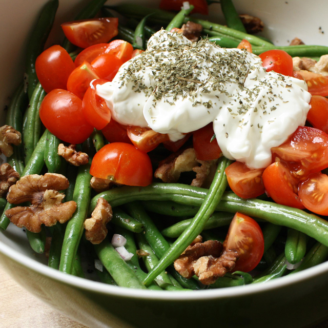 toasted walnut green bean salad