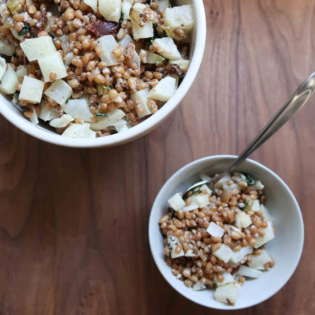 Bacon Cauliflower Wheat Berry Salad - anneliesz