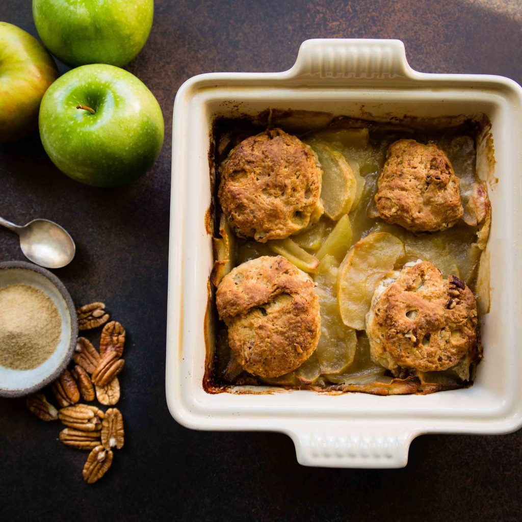 Apple Maple Pecan Cobbler - anneliesz
